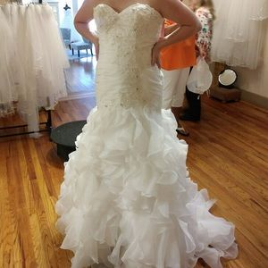Dresses & Skirts - Plus size Mermaid Wedding Dress
